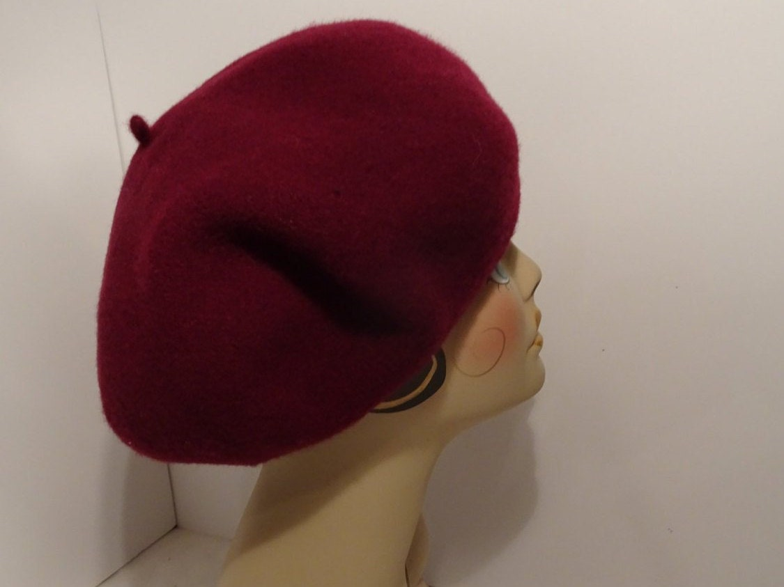 61385c9c913a0 Classic French Beret Women s Wool Burgundy 1930 s