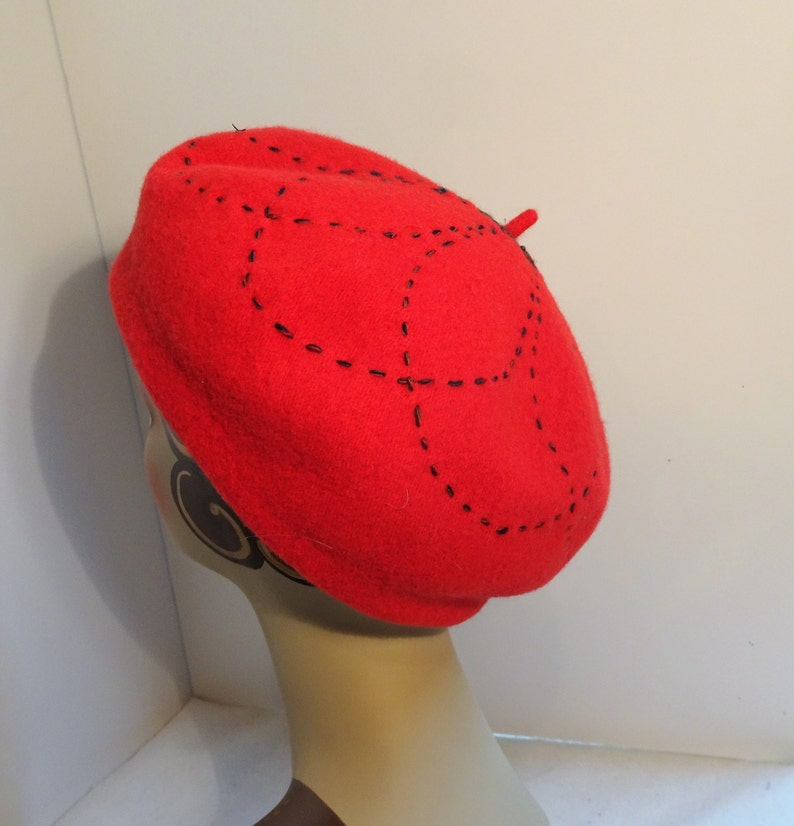 165461c1c9232 Woman s Classic French Beret Wool Red 1930 s Look
