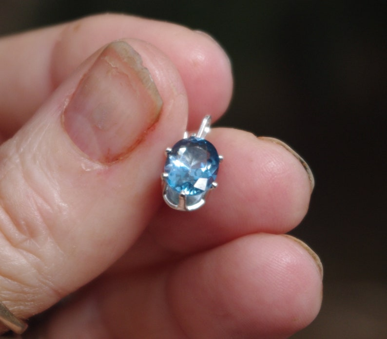 Natural Swissd Blue Topaz in Sterling SIlver pendant