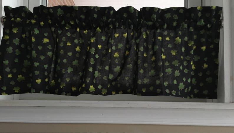 St Patrick/'s Day Shamrock Valance Curtain 42 W x 13