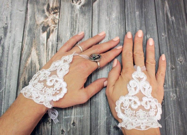 e2bc7b81397 White lace bridal short gloves flower girl gift beaded