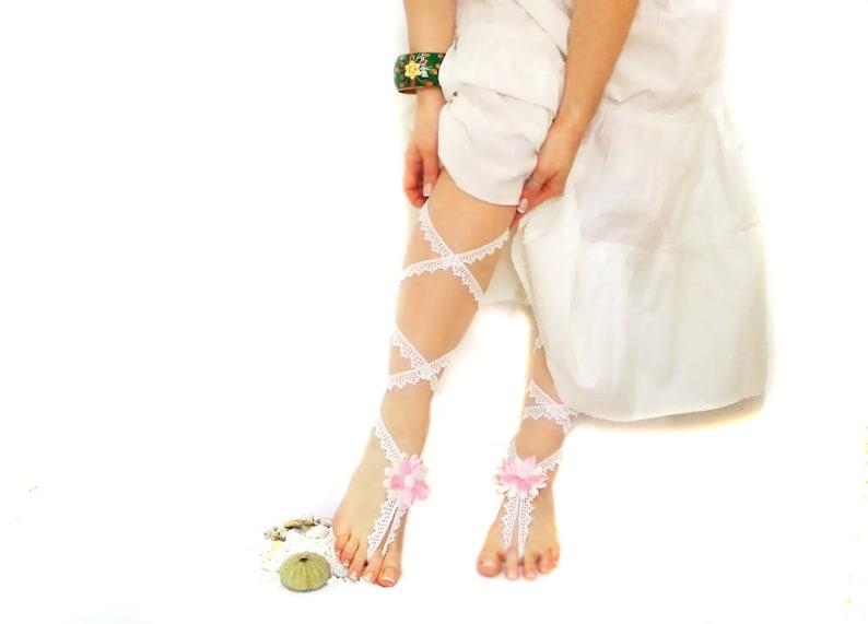 b5942e4326976 White bridal crochet barefoot sandal Wedding anklet Bridal