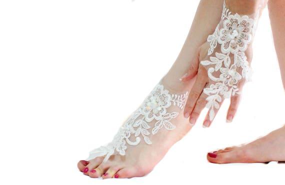 74c596a3c6719 White bridal lace barefoot sandal Wedding anklet Bridal Foot