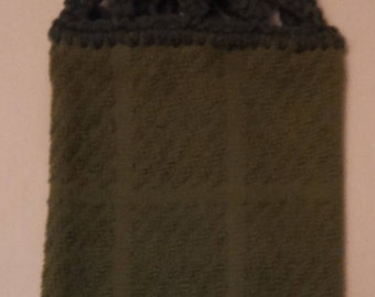 Solid Leaf Green Hanging Kitchen Towel with Universal Hanging