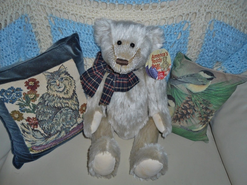 Gund Nesbit America/'s Teddy Bear Beige 14 inch  Jointed Plush Mohair Bear in Excellent Condition