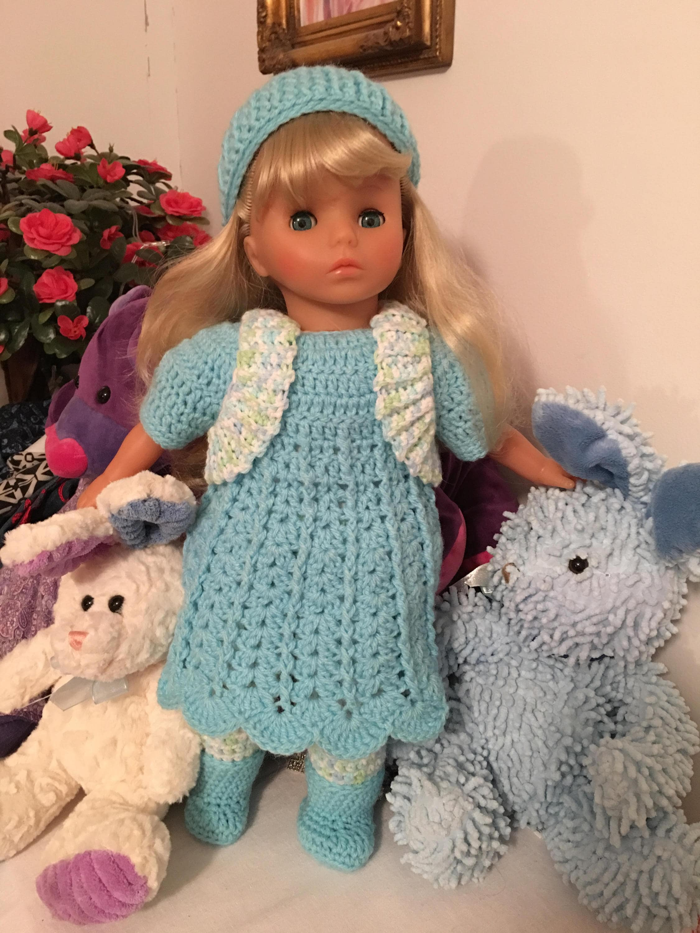 Vintage Vintage Vintage Lissi Doll 19 inches tall Vinyl and Cloth Perfect Facial Paint Long Silky Blonde Hair with 3 Outfits in Perfect Condition    1 c771c0