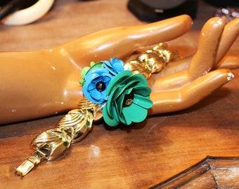 Art-deco bracelet, floral bracelet, emerald flowers blue green, enamel flowers, vintage light gold bracelet, POIGNET BOUQUET