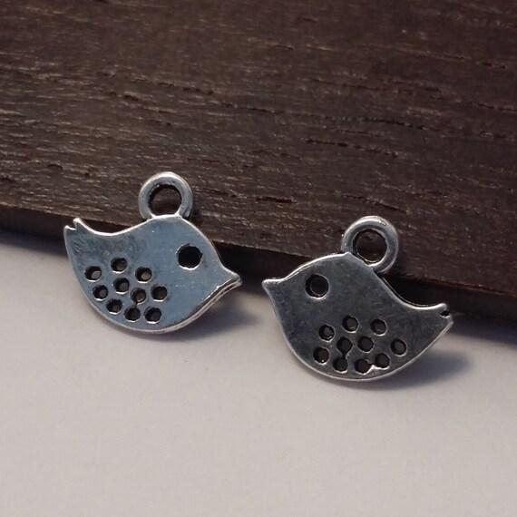 50pcs Small Bird Charms Antique Silver 11x10mm Jewellery Supplies B43803