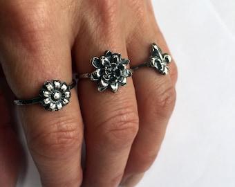 Dahlia Ring, Silver Dahlia Ring, Flower Ring, Silver Flower Ring, Antique Flower Ring, Rustic Floral Ring, Botanical Ring, Bohemian Ring