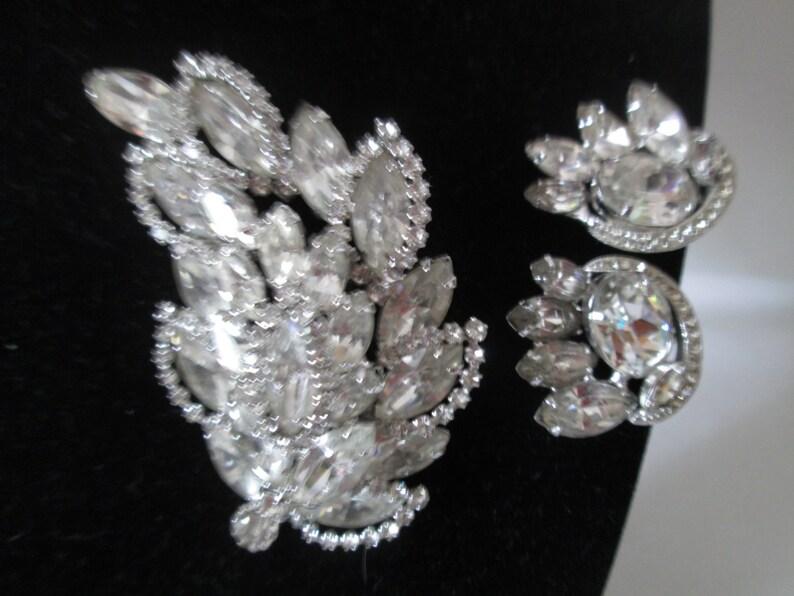 1c073a7bd Beautiful Vintage Eisenberg Jewelry Set Large Leaf Brooch and   Etsy