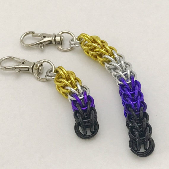 Nonbinary Pride chainmaille clip-on keychain / zipper pull / purse charm
