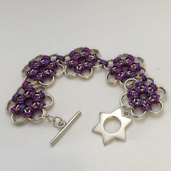 Japanese lace flowers - Sterling Silver and violet anodized Niobium bracelet with Sterling Silver star toggle cladp