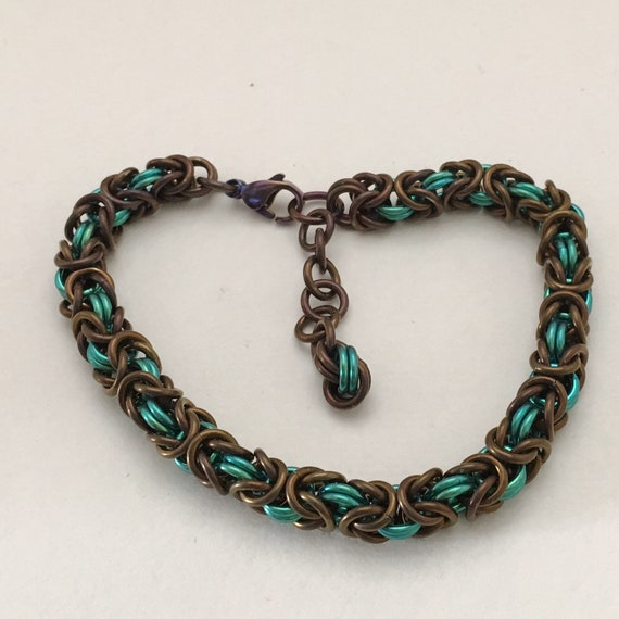 Byzantine bracelet in chocolate/mint anodized niobium