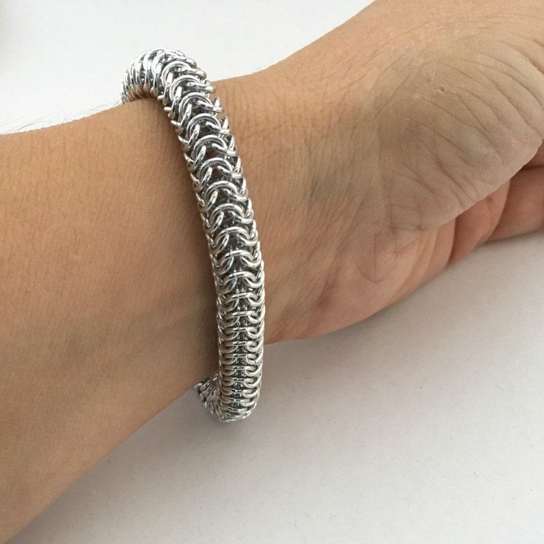 Slinky Roundmaille bracelet  silver anodized aluminum image 0