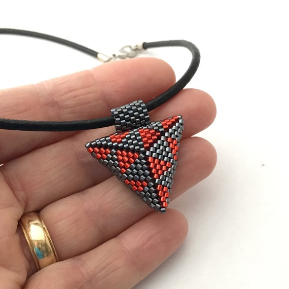 Arrowhead shape triangular peyote beaded pendant - geometric triangles pattern