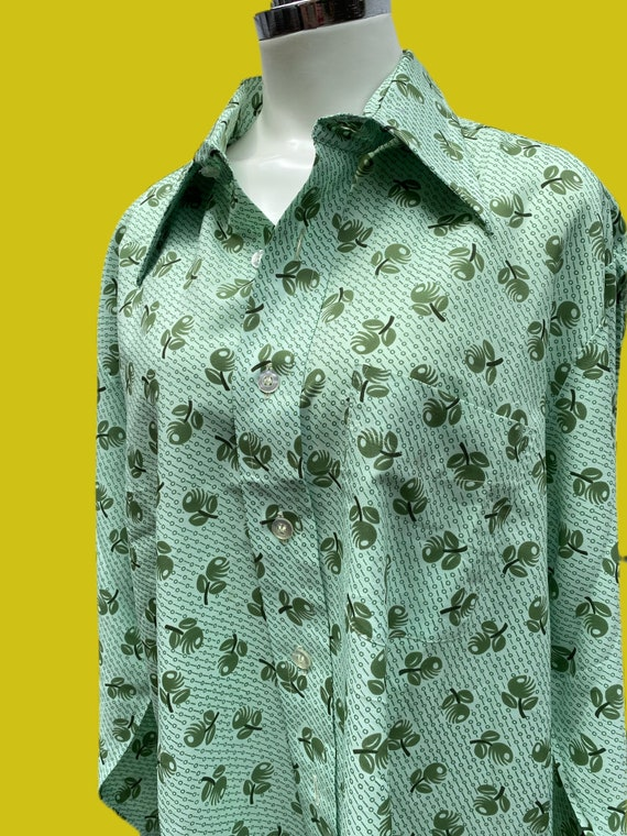 1970s MOD novelty print Olive shirt// fruit print… - image 4