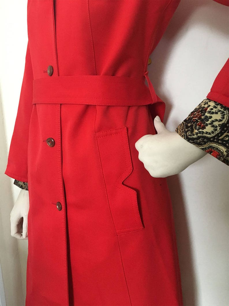 MOD cherry red trench coat  Notched pockets and jumbo butterfly collar button down trench duster size M
