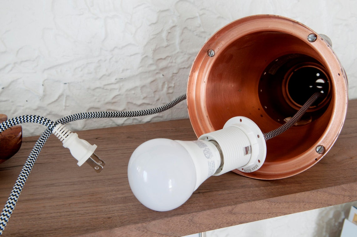 """Vintage copper light, Restored copper light fixture, no wiring needed, Ready to use, 12"""" tall and 6"""" diameter, bulb included - Eclairage"""