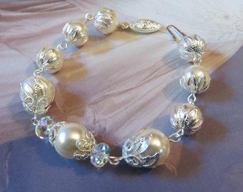 BRIDES BRACELET Ivory Wedding Dress Ivory Pearl Bracelet White Pearl Bracelet Silver Bracelet Bridal Crystal Bracelet Wedding Jewelry Gift