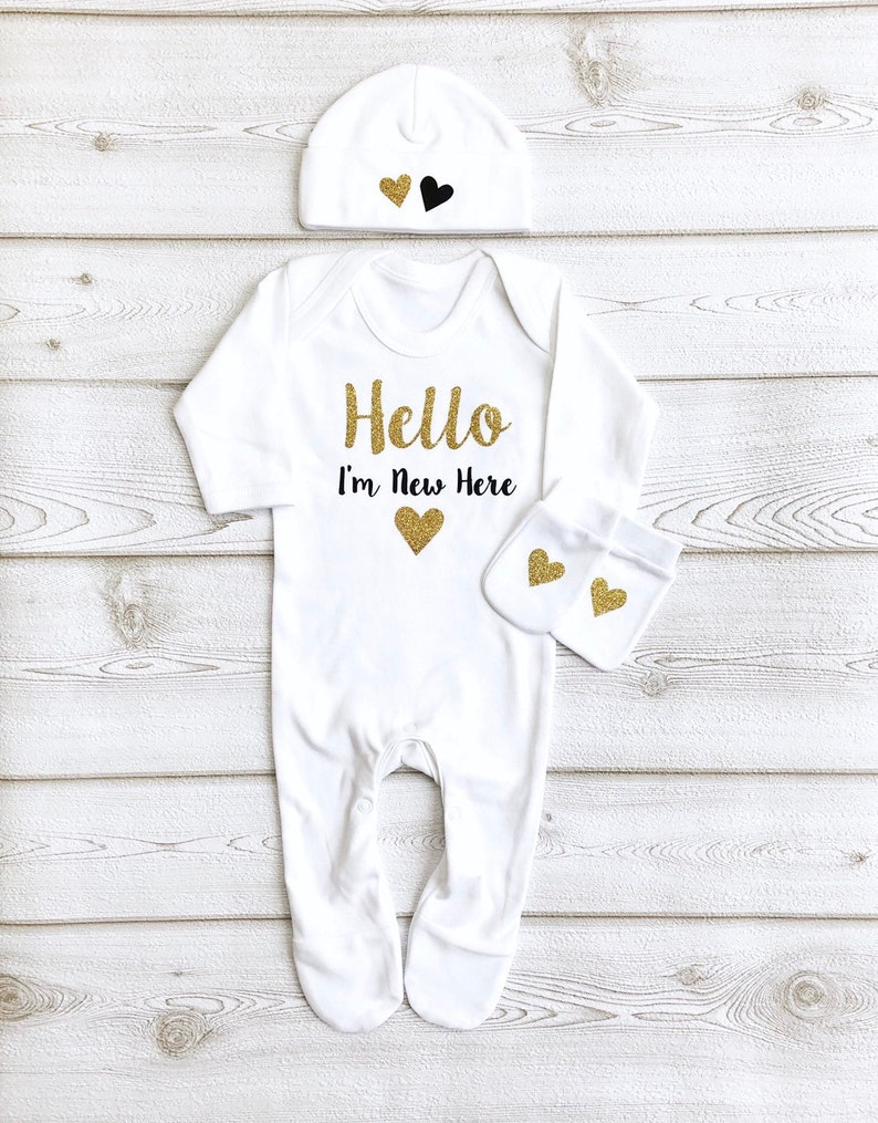 Unisex Hello Newborn Outfit  Sleepsuit Hat & Mittens  Take image 0