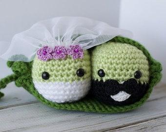 Crochet Peas in a Pod Pattern Amigurumi PDF - instant download - Wedding Peas - Peas in a Pod Get Married