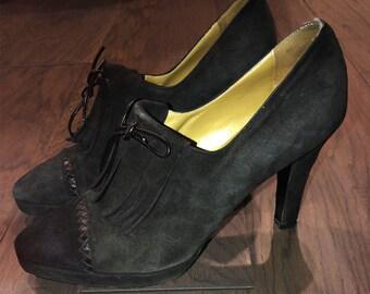 a6e11840a5c7 Vintage Yves Saint Laurent Leather Open Toe Heels Size 8 38