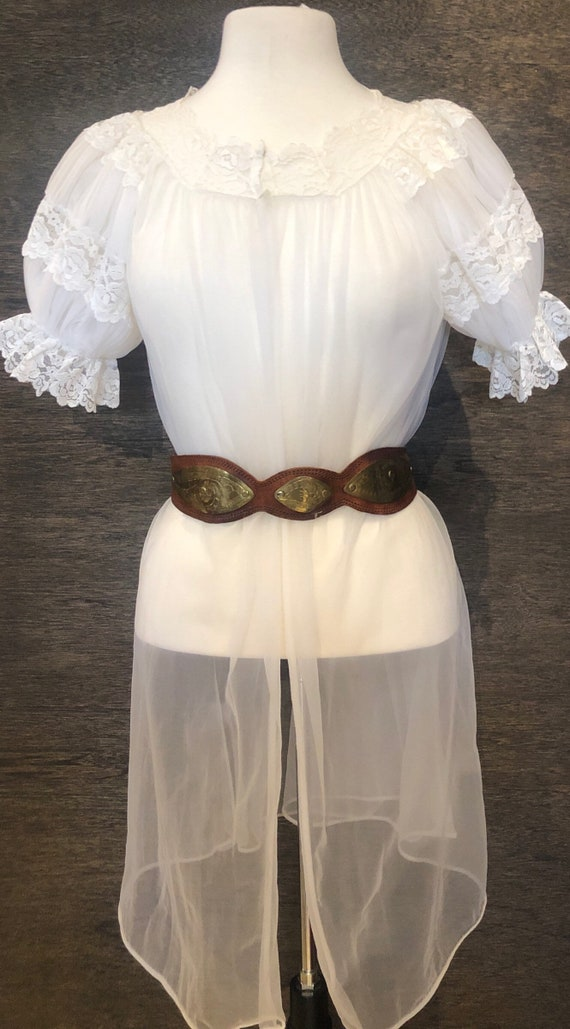 Beautiful Vintage 1970's White Sheer & Lace Linger