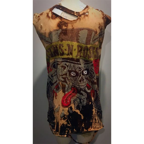Custom  Distressed Guns N Roses Tshirt