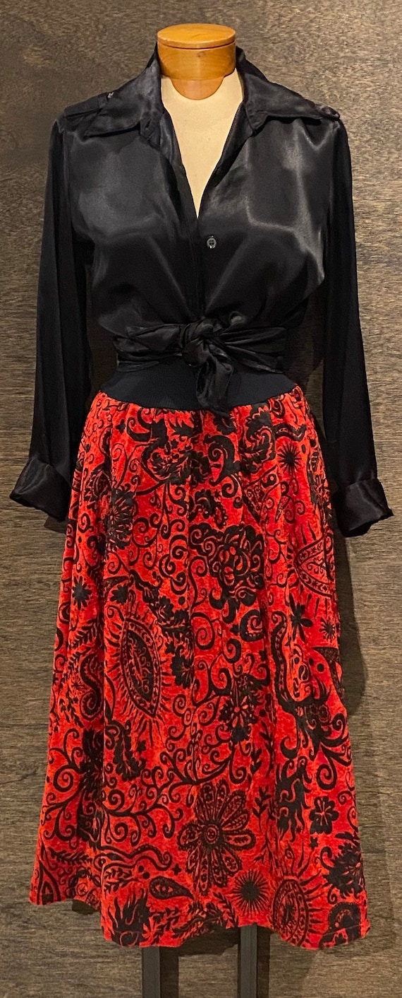 Super Fun Vintage Red and Black Velvet Circle Skir