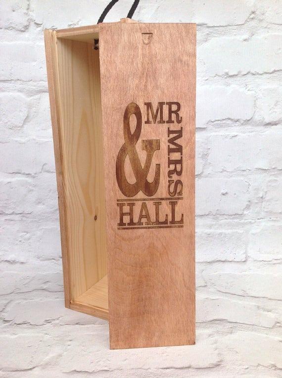 bo te vin de mariage personnalis mr mme cadeau d anniversaire cadeau alcool amateur de vin. Black Bedroom Furniture Sets. Home Design Ideas