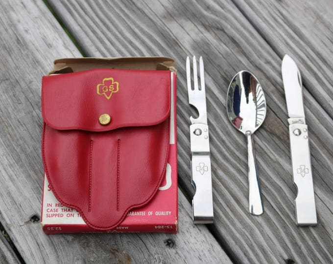 Girl Scouts of America Chow kit and utensils