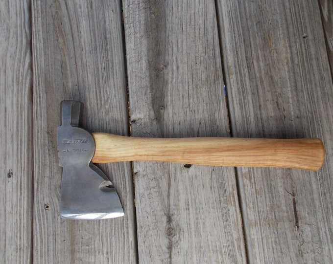 Vintage True Temper Hatchet with new 13 inch handle of American Hickory 1lb 14 oz axe