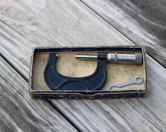 Reed Micrometer No 802 2 inch made by Reed Small Tool Works