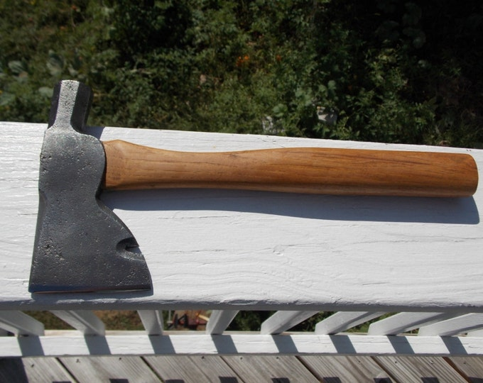 Hatchet no name with 13 inch NOS handle of American Hickory