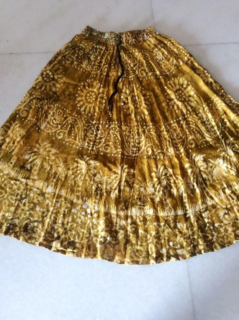 82a75bc3389dfd Jupe hippie. Jupe longue évasée imprimé indien. Gypsy Boho vêtements cadeau  pour soeur. Jupe maxi de Bollywood danse. Robe de cadeau Vegan