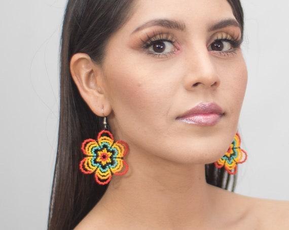 Beaded Flower Earrings, Lightweight Huichol Earrings, Native American Beaded Earrings, Red, Turquoise Bright Round Earrings, Indigenous Made