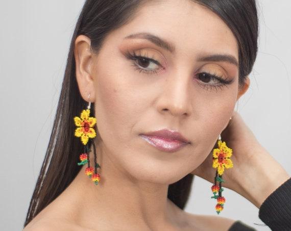 Native American Style Beaded Earrings, Boho Yellow Flower Earrings, Beaded Flower Earrings, Huichol Earrings, Beaded Boho Earrings