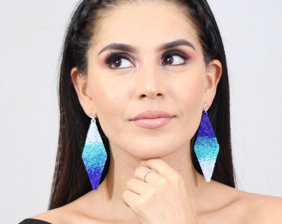 Beaded Boho Earrings, Splash Pattern, Native American Beaded Earrings, Blue, White, Post Earrings, Abstract Boho Chic Earrings, Handmade