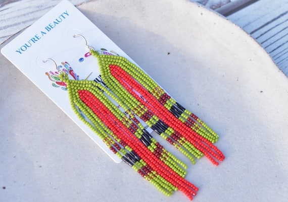 Boho Earrings, Contemporary Native American Beaded Earrings, Beaded Dangle Earrings, Boho Chic, Indigenous Made Earrings, Handmade, Biulu