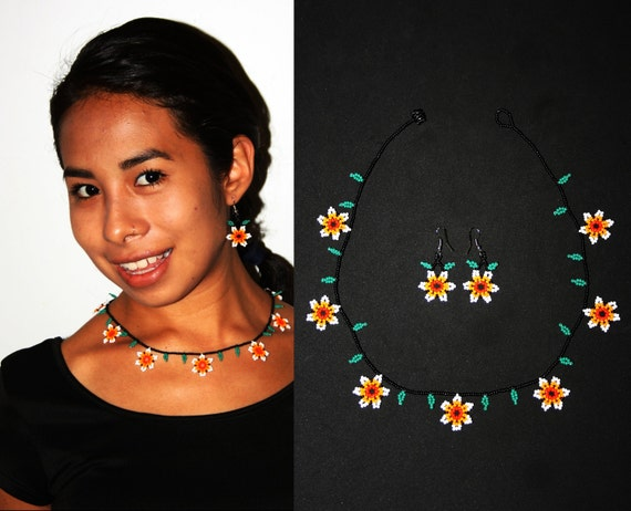 Beaded Jewelry, Huichol Jewelry, Native Jewelry Set, Small Necklace and Earrings, Seed Bead Jewelry, Chic Flower Necklace, Hippie Jewelry