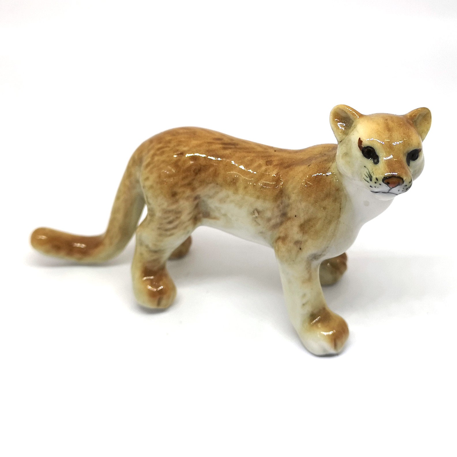 ZOOCRAFT Puma Wildlife Porcelain Tiger Figurine Statue Handmade Zoo Collectibles Decor