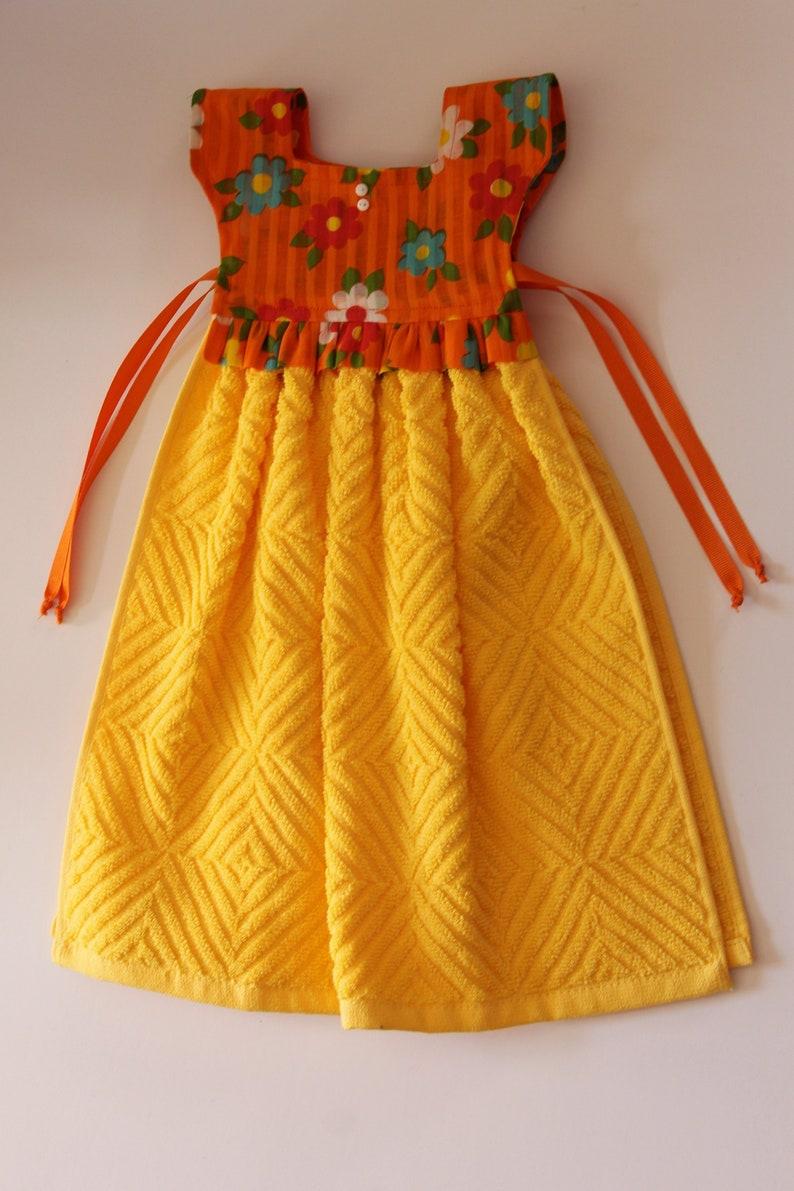 Yellow Kitchen Towel, Hanging Towel Dress, Hanging Dish Towel, Orange Tea  Towel, Hand Towel, Housewarming Gift, Kitchen Decor, Gift for Her