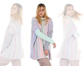 f9077cd01917d Tricot de laine mérinos laine pull pull col roulé Oversize Design moderne.  Pull rayé très tendance Designer Poncho Snood. Style de la mode Eco