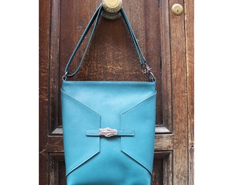 Handmade bag for women with shoulder strap in leather