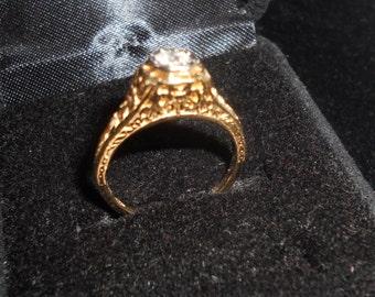 Antique YG Filigree Diamond Ring