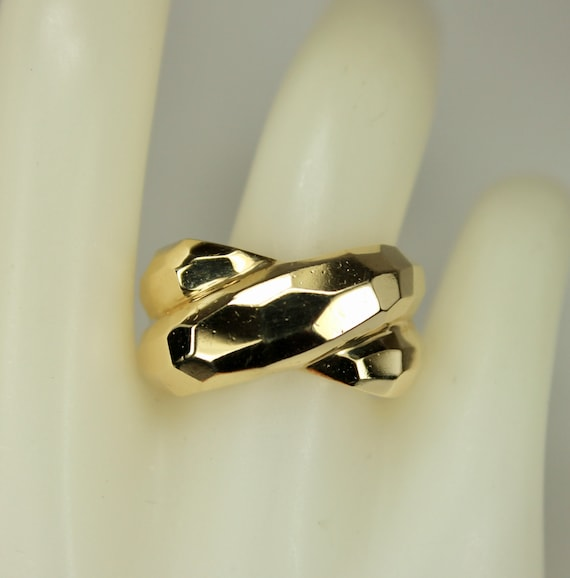 Crossed Wedding Bands.Vintage 10k Yellow Gold Mens Or Ladies Ring Or Wedding Band 3 D Crossed Faceted Top Hallmarked Sz 7 C1980s