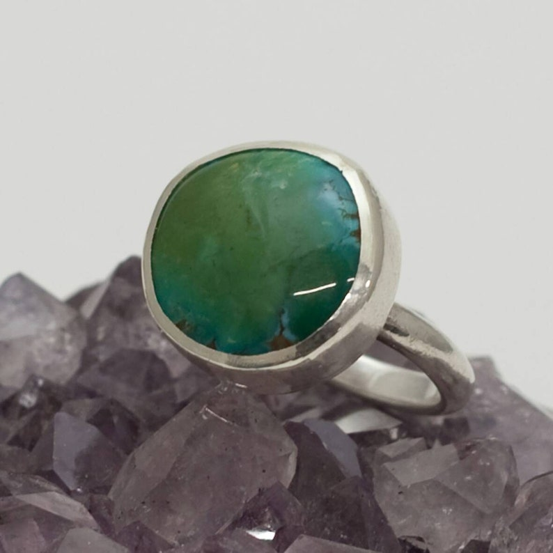 Sterling silver green turquoise round ring