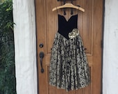 GUNNE SAX BLACK VElVET GoLD LaCE PaRTY DReSS, size Extra Small, 3 layer skirt Lace, Black Satiny Lining and Stiff netting with lace trim