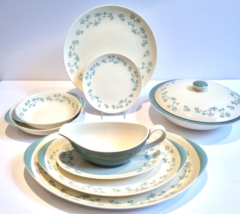ed203803176cf 32 Piece Dinner Set for 6 People Royal Doulton Dinner Plates