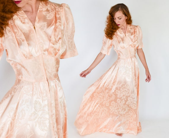 1940s Pink Dressing Gown | 40s Peach Satin Dressin